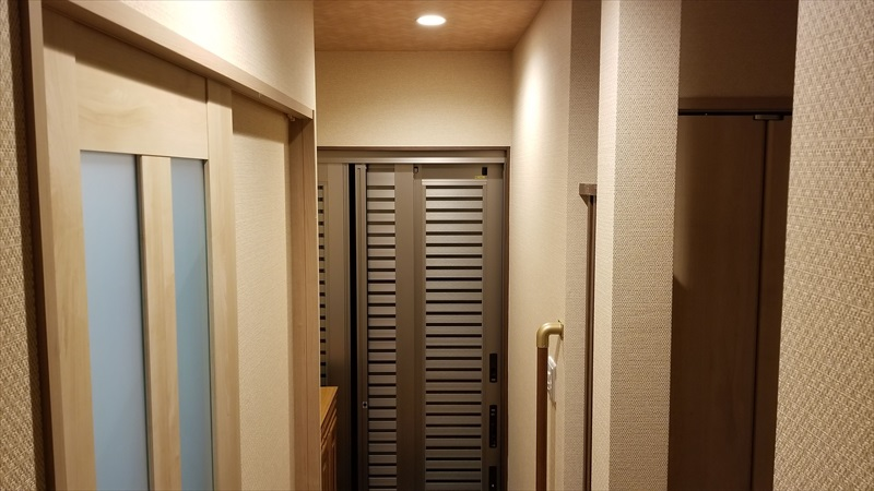 3枚引き戸の玄関ドア